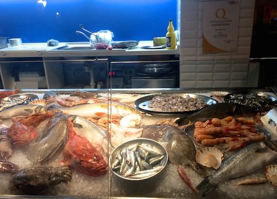 Raw Fish Cafe