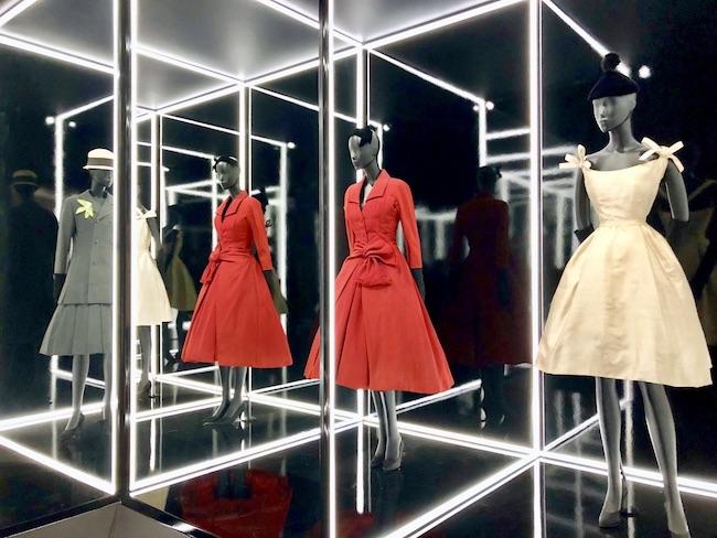 Dior prorogata la Mostra 2019 al V&A Museum di Londra